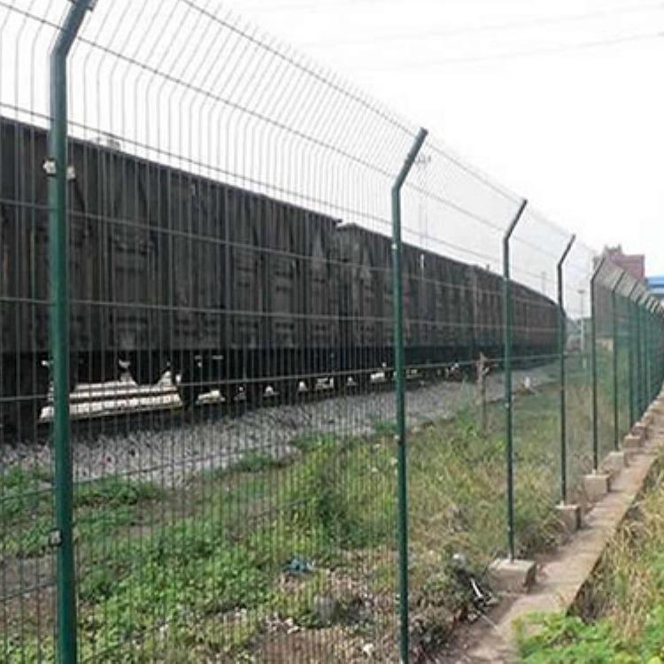 双边丝护栏网框架隔离栅围栏网安全防护网高速公路铁丝网厂家直销