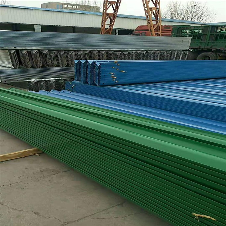 热镀锌护栏板电话 波形喷塑护栏板批发 双波波形护栏板立柱 锦州