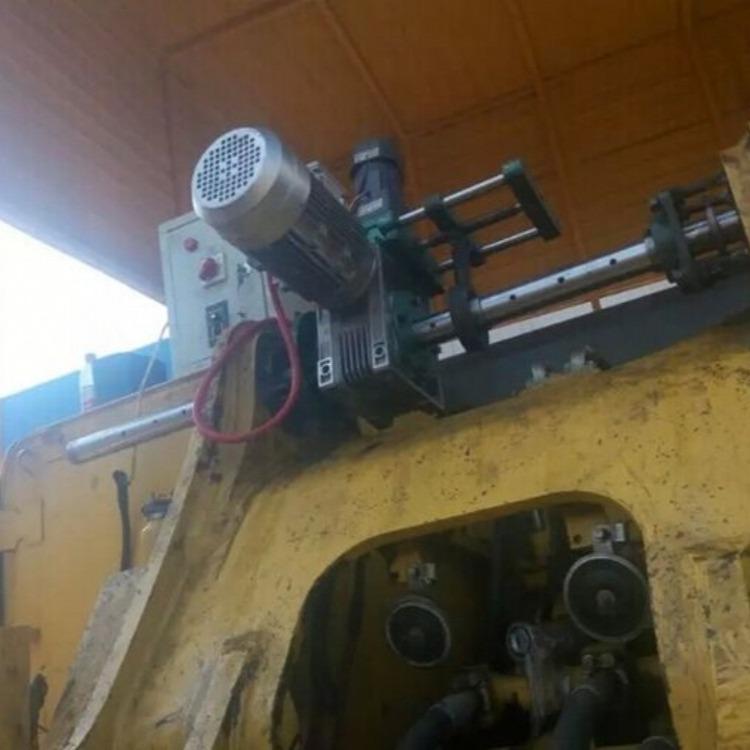 挖机镗孔机配置怎么样