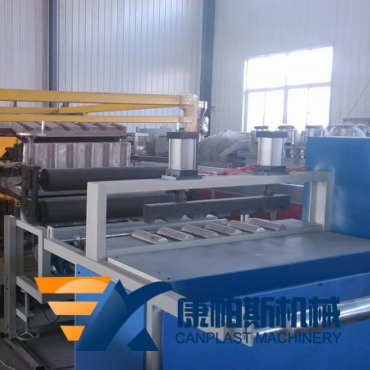 康帕斯机械PVC树脂瓦琉璃瓦生产线设备厂家