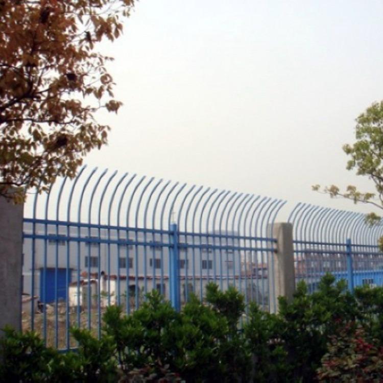 上海市普陀区护栏厂家 供应锌钢围墙护栏 弯枪尖防爬护栏