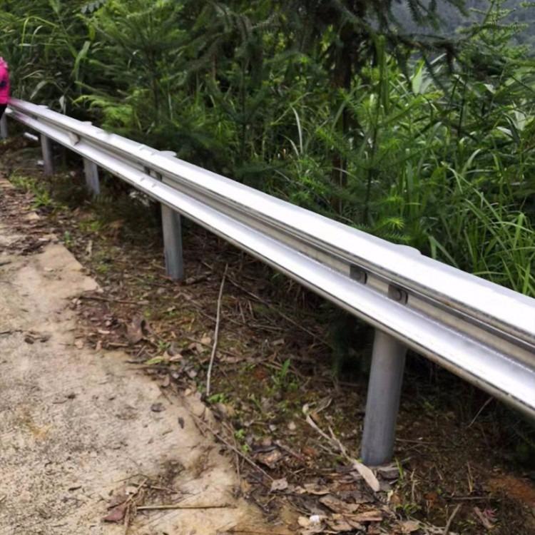 曲靖乡村公路防撞护栏,农村道路防撞波形护栏