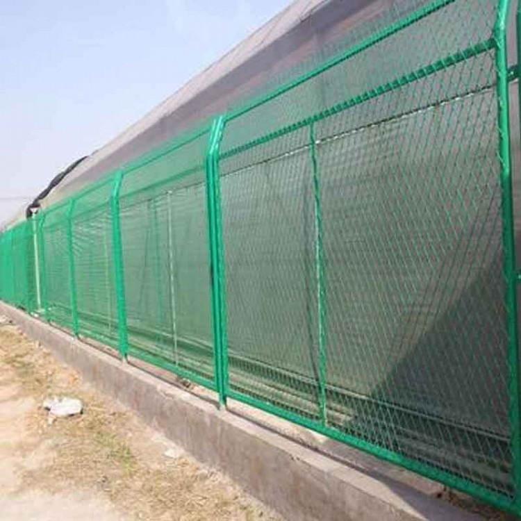 双边丝网贵州护栏网球场围网厂家公路防护网车间护栏网