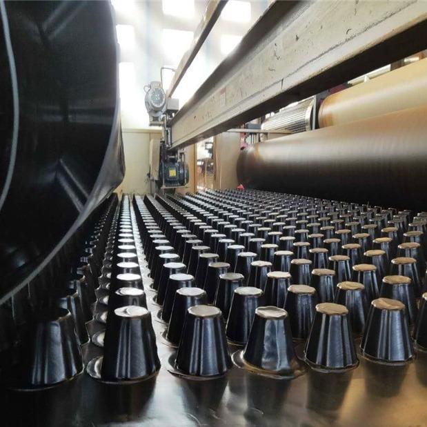 襄樊塑料排水板2公分车库顶板防穿刺排水板厂家直销型号齐全