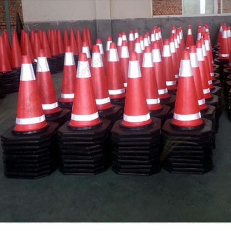 贵州凯里厂家直销 橡胶路障 安全路锥 交通路锥 现货路锥
