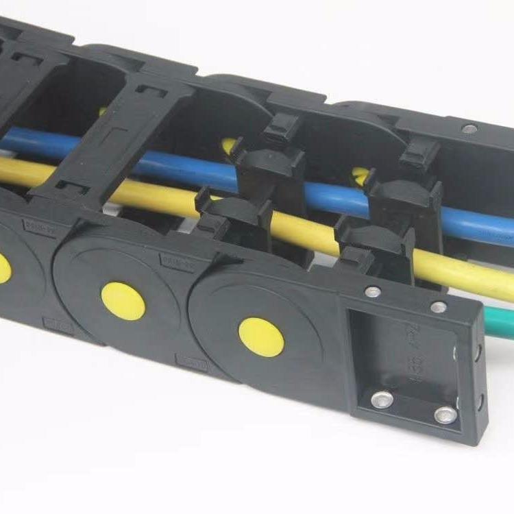 山东庆云华德厂家直销带黄扣 承重型工程塑料拖链   尼龙坦克链