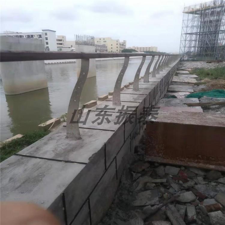 河道灯光护栏型号齐全 桥梁护栏价格