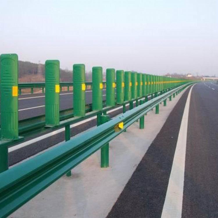 波形护栏  高速喷塑护栏板厂家