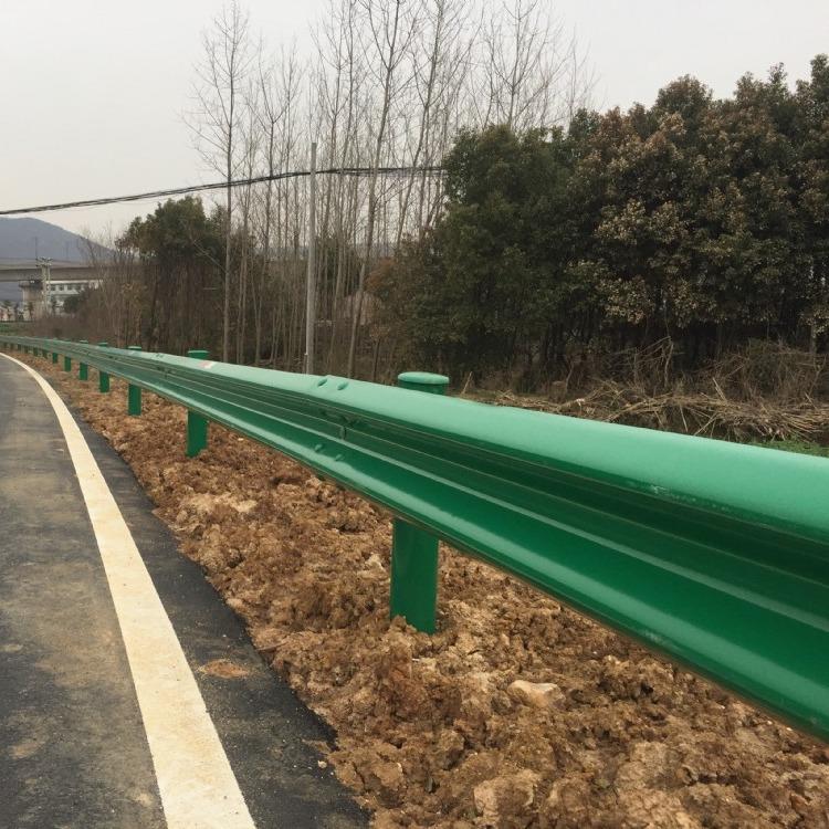 定制护栏板 波形护栏 省道护栏 三波护栏 热镀锌护栏板