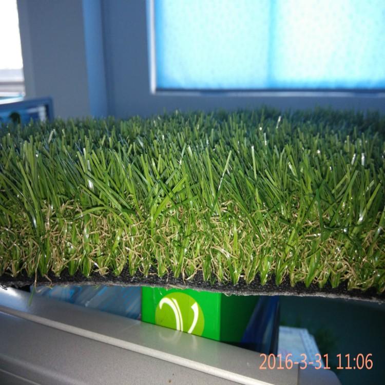 人造绿色围挡 工程围挡草 健身房地毯量大优惠