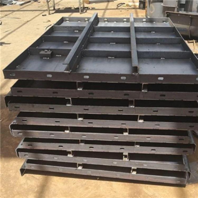 盛申致远专注于水泥防撞墙模具 水泥防撞墙钢模具生产