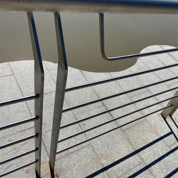 誉铭 不锈钢护栏 天津 楼顶不锈钢护栏图片 不锈钢护栏图片 安全安保 质量保证 厂家直销