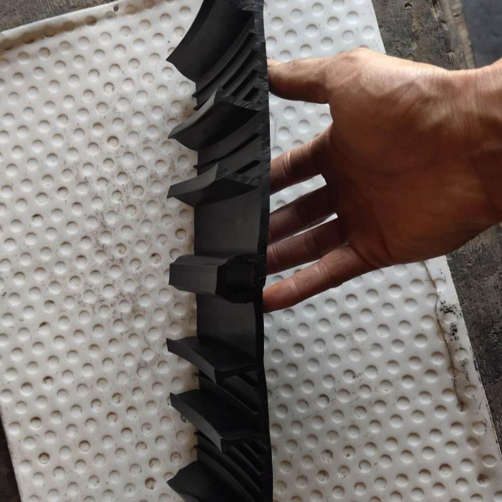 厂家直销国标651型橡胶止水带 350*8钢边止水带 塑料PVC止水带