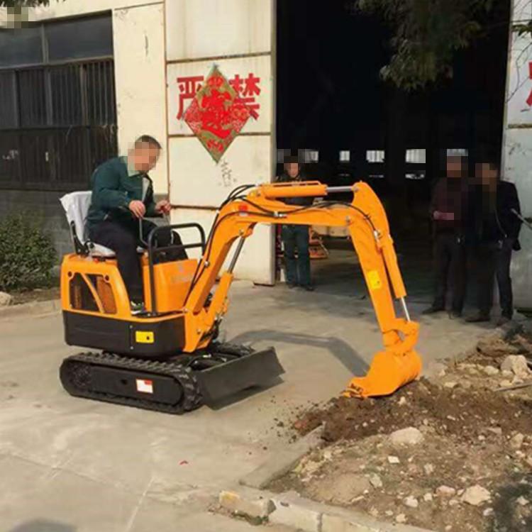 山东济宁挖掘机 小型挖掘机 生产厂家