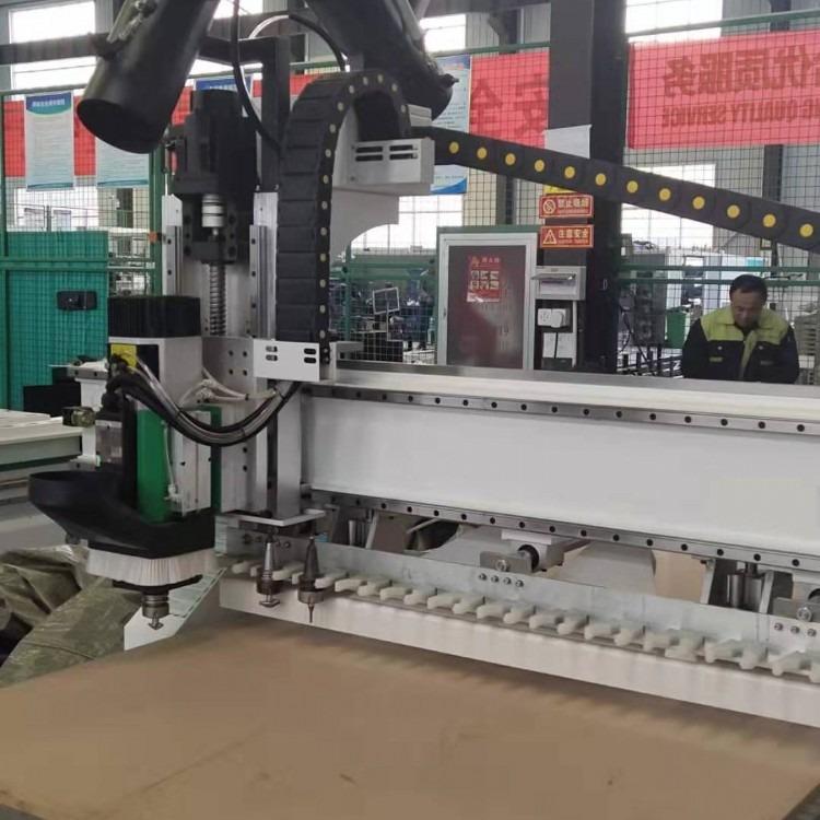 多功能数控雕刻机  山东数控雕刻机雕花机厂家 雕刻机的维护及使用