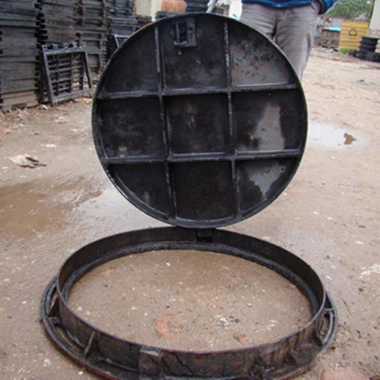 球墨铸铁井盖厂家生产  市政雨水污水通信圆形井盖