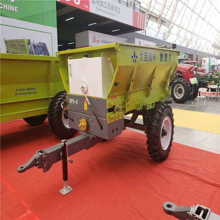 厂家大型有机肥撒肥机    机械化施农家肥施肥机    拖拉机扬粪车