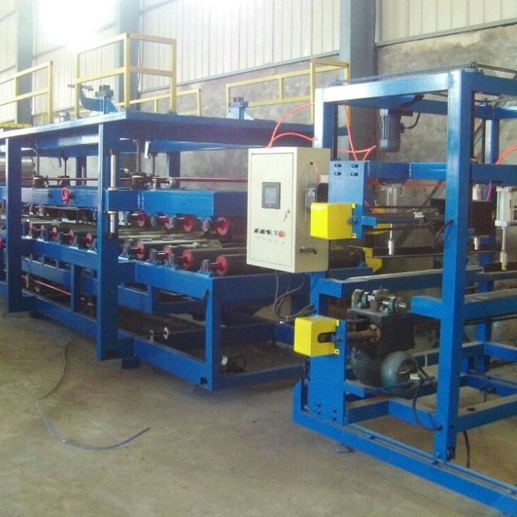 重兴 供应岩棉泡沫保温复合板设备 泡沫复合板生产线 彩钢泡沫复合板机