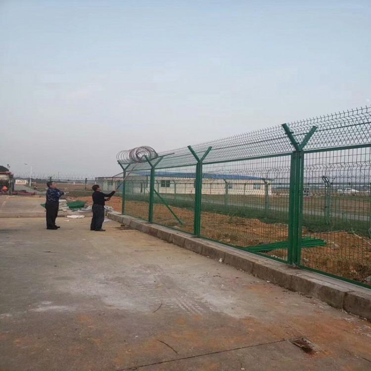 施工工地围栏网 机场护栏网 铁丝框架护栏 款式多样