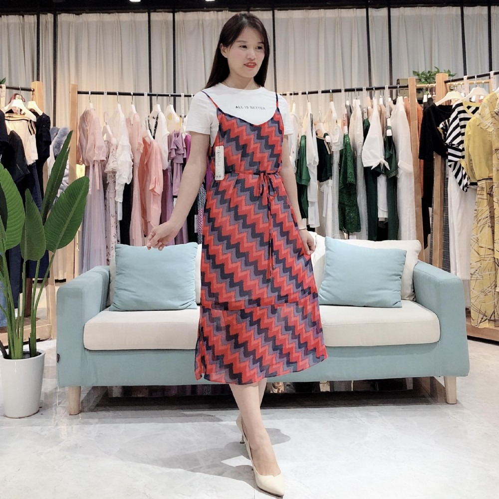 依熏2020年夏装新款连衣裙